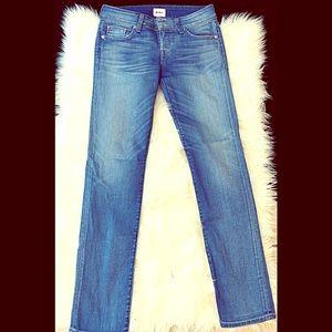 🆕Absolutely Fabulous Hudson Jeans Straight leg 27